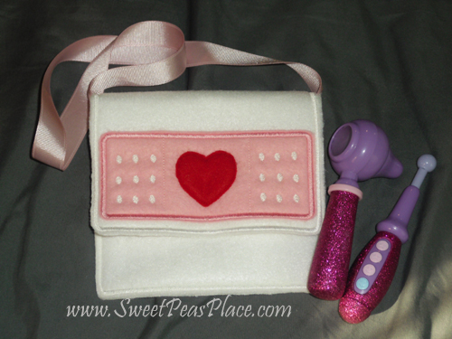 Purse with Heart Band Aid in the hoop Applique Embroidery Design