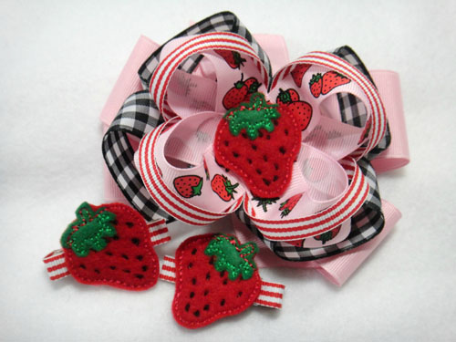 Strawberry for Felt Applique Embroidery Design